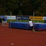 ...Dominik Klinger přeskočil výšku 196 cm