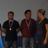 ... šťastný Aleš Staněk a trenér atletů Zbyněk Tesař poslouchají chválu Barbory Špotákové... na jejich svěřence chválí opavské talenty